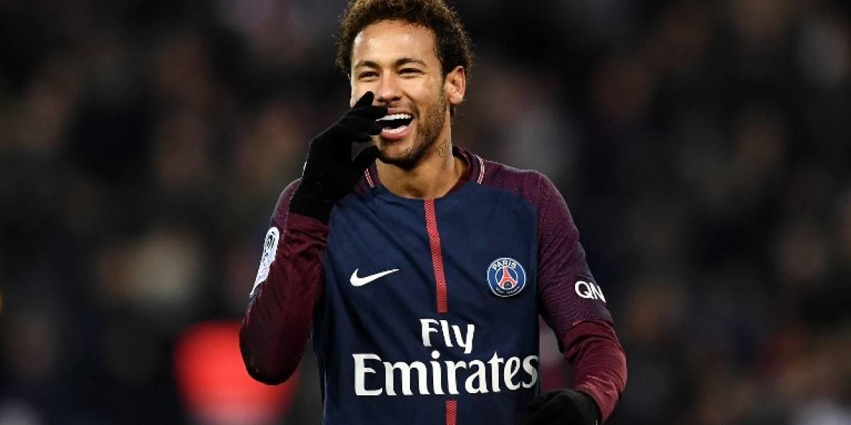 """FOTO. Neymar presume su nuevo tatuaje con el que """"desafía"""" al Real Madrid"""
