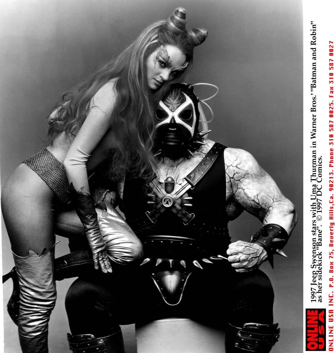 """Uma Thurman y Jeep Swenson en """"Batman y Robin"""" de 1997"""