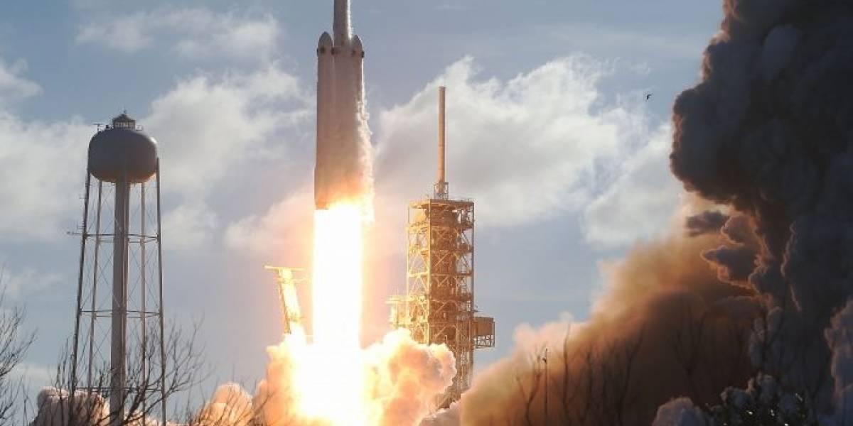 El Falcon Heavy dejó ver su estela de combustión en algunas partes de México