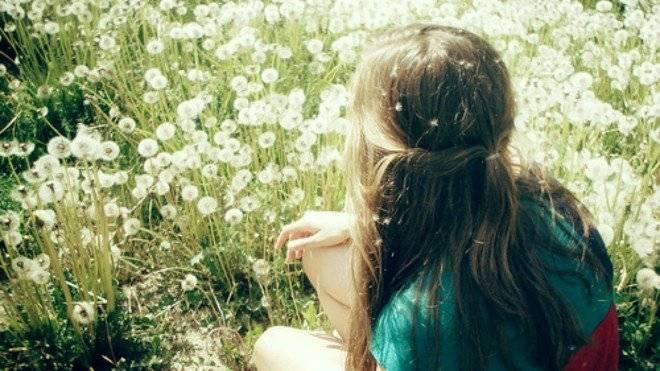 girllovenaturepeacesweetfavim660x650.jpg