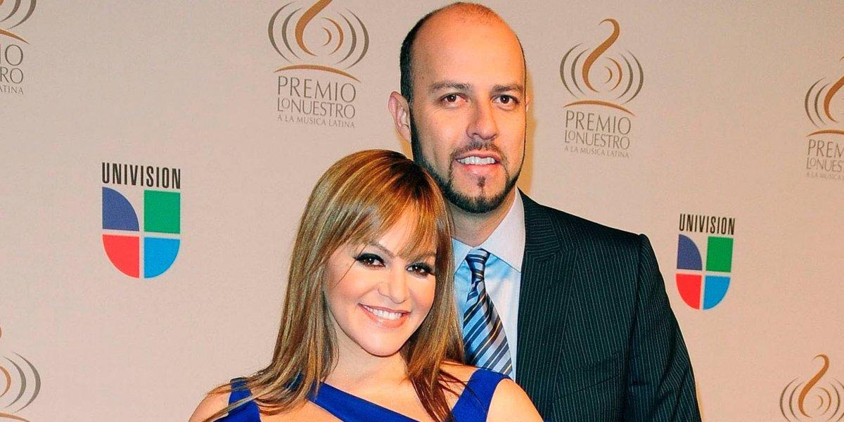 Detienen al viudo de Jenni Rivera por posesión de drogas y así reaccionan las redes