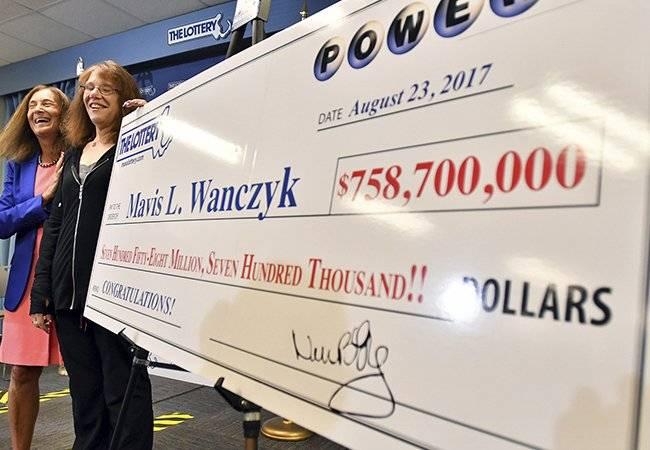 Mujer no cobrará $560 millones en la lotería
