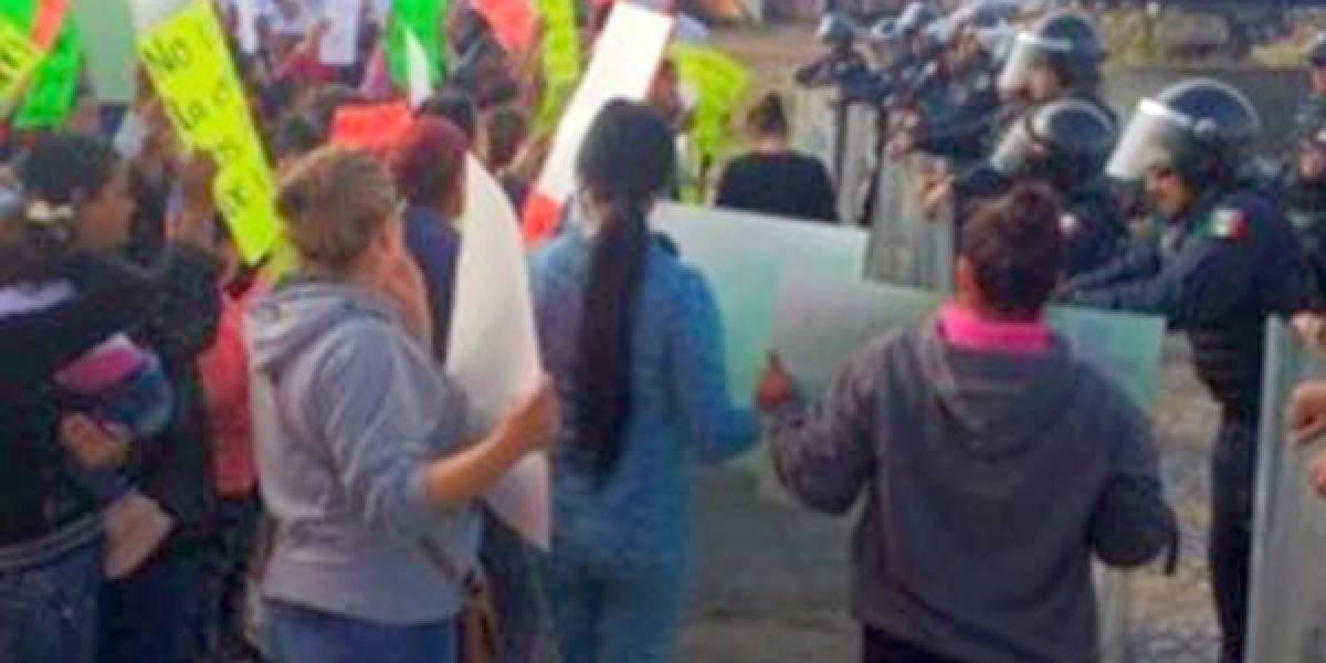 Protestan familiares de los reos en el Cefereso 2 de Puente Grande