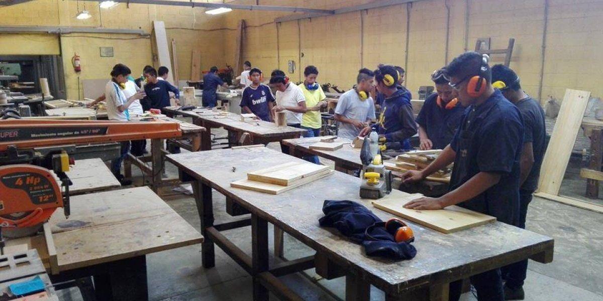 Esta rifa busca recaudar fondos para contribuir a la formación de jóvenes guatemaltecos