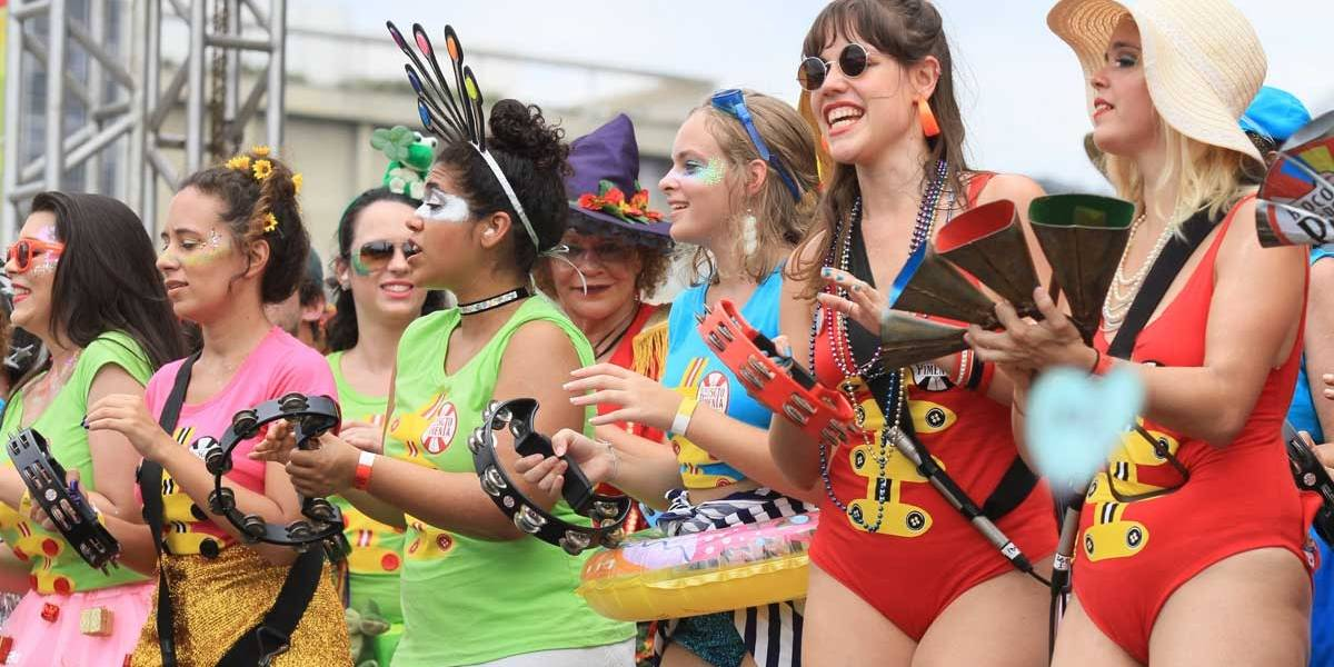Sargento Pimenta mistura Beatles e ritmos brasileiros no carnaval do Rio