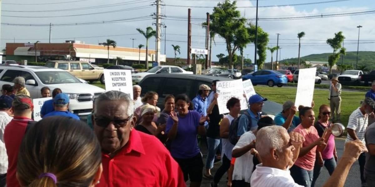 Alcalde y comunidades se tiran a la calle en reclamo de luz