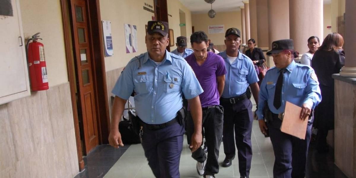 Solicitan un año de prisión preventiva contra hombre acusado de matar esposa e hijastros
