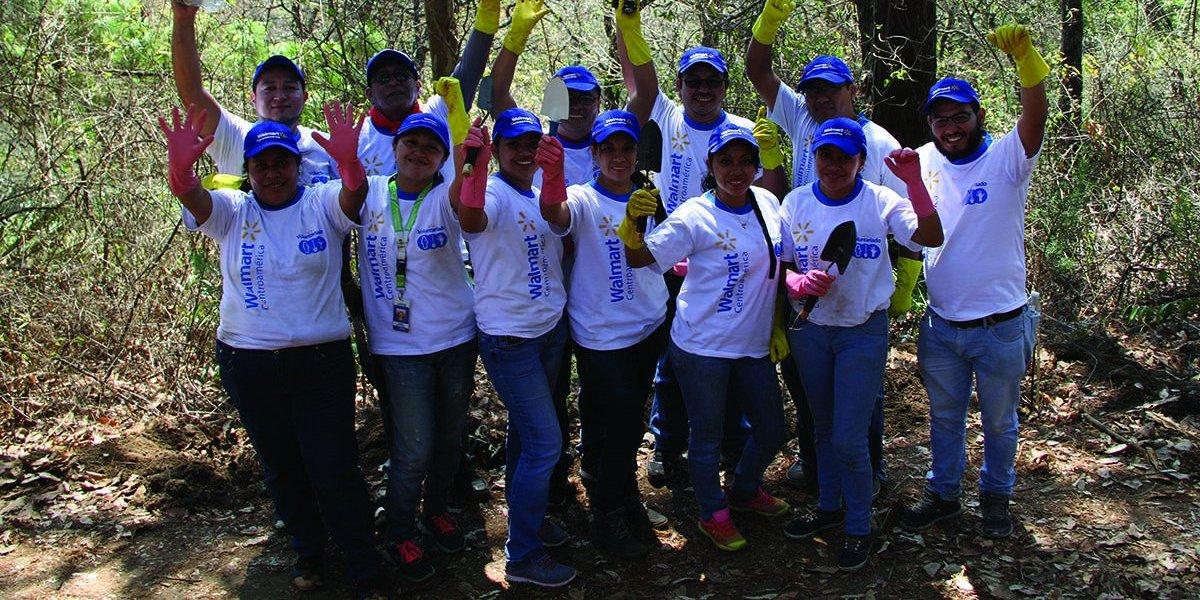 Guatemaltecos son beneficiados gracias al programa de voluntarios de Walmart