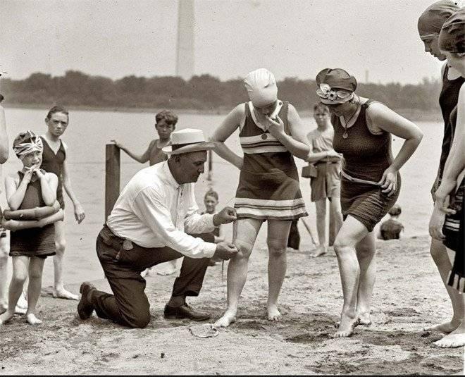 womenbathingsuitsbeingarrested1920s2660x650.jpg
