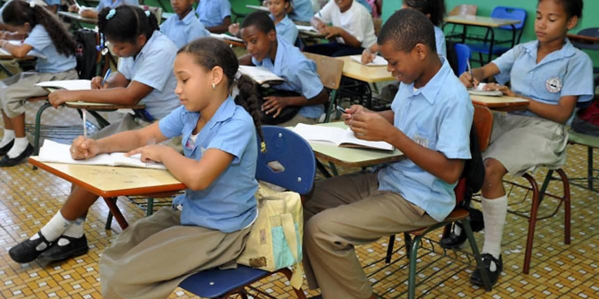 RD enfrenta desafíos para niños completar secundaria