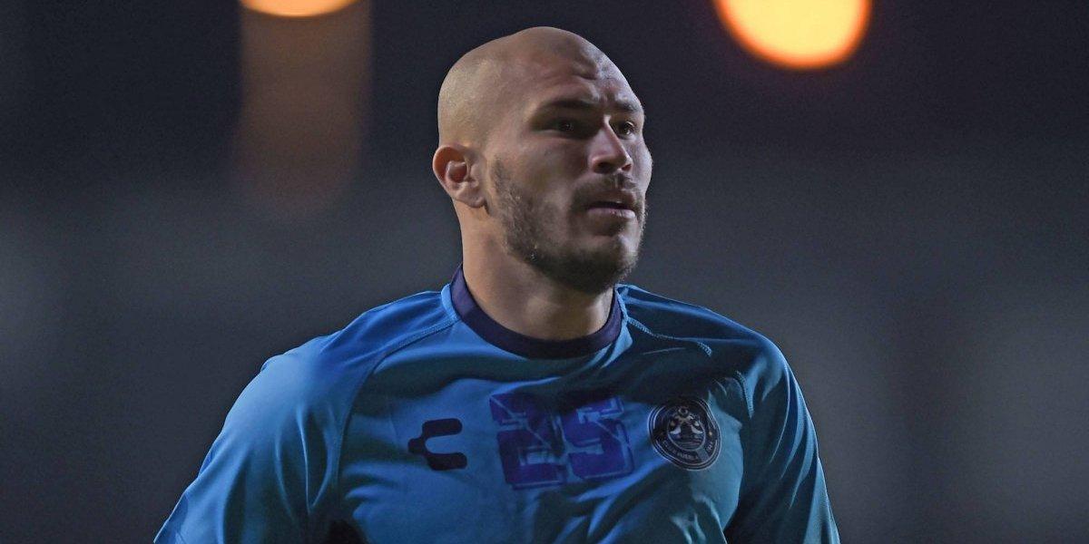 Discriminan a jugador de Puebla por su apariencia física