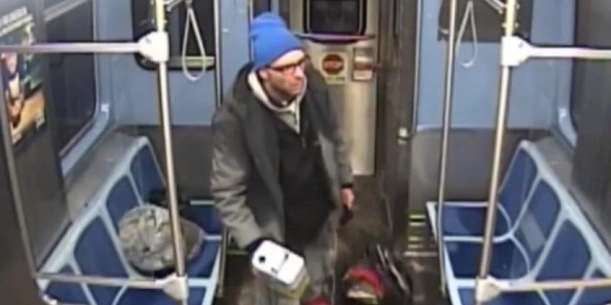 Vagabundo se prende fuego en un tren de Chicago