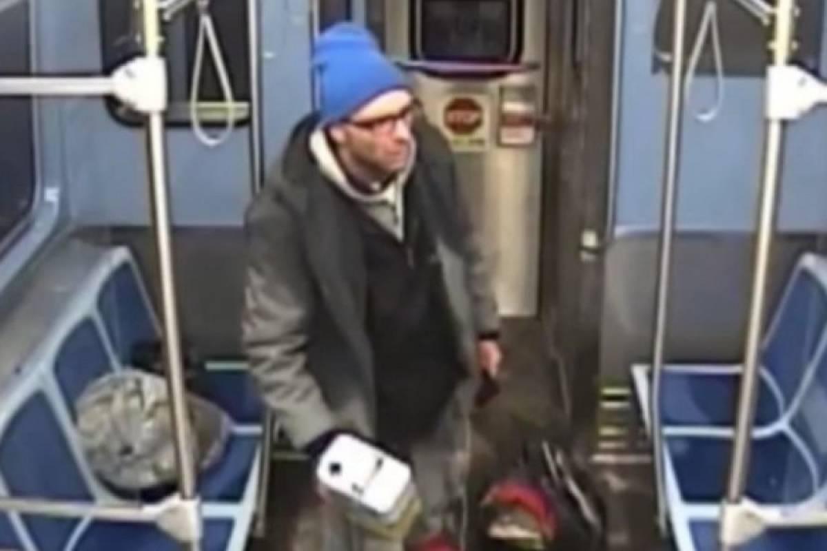 Hombre se prende fuego en le metro de Chicago