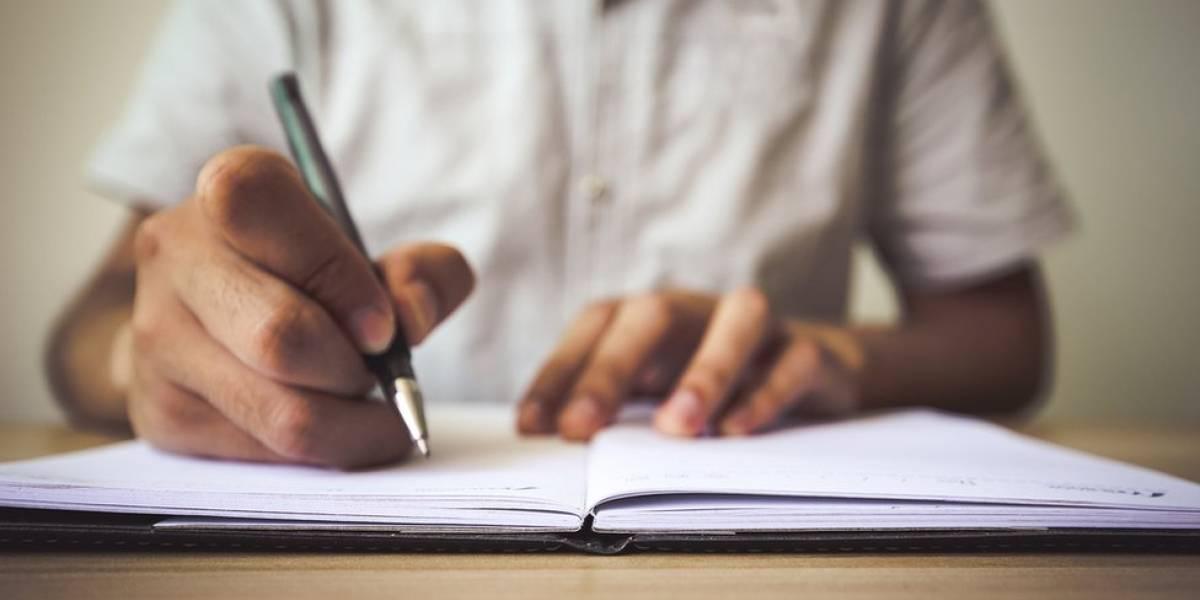 Educación busca cientos de maestros sustitutos