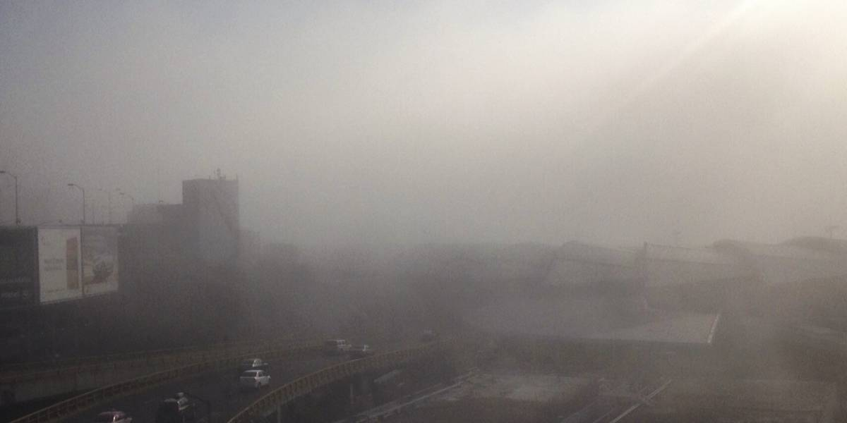 Banco de niebla provoca retrasos en el AICM