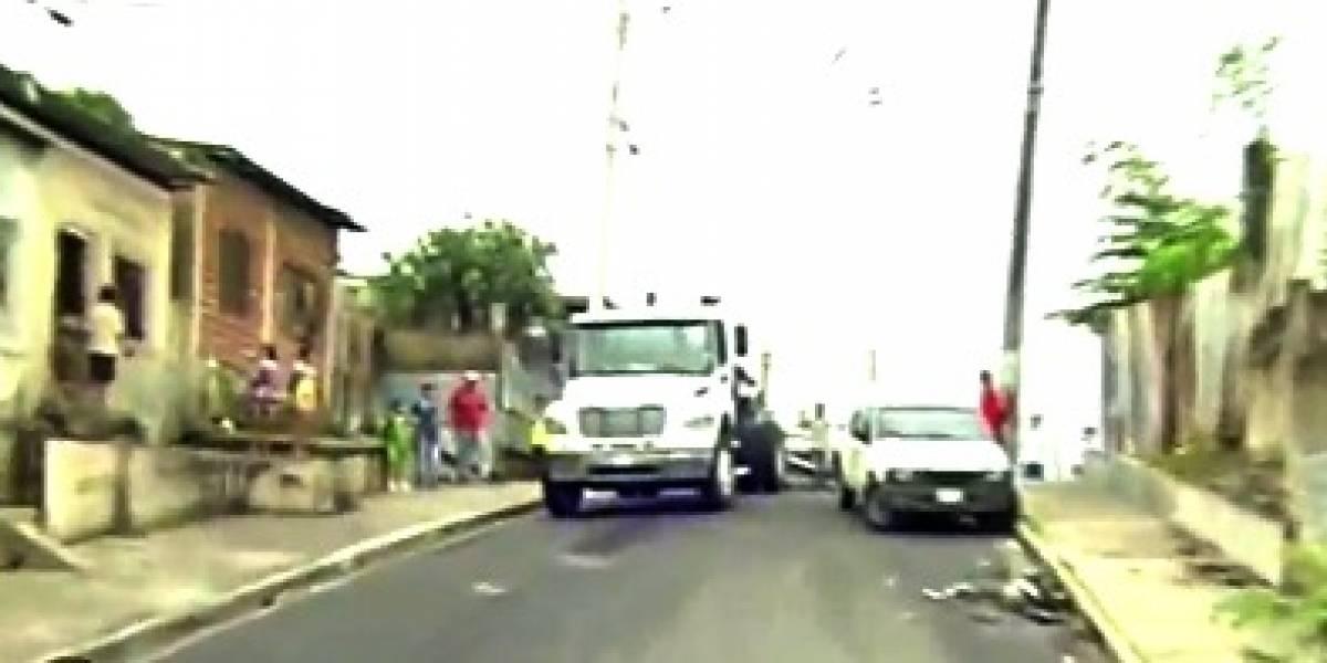 13 niños heridos tras impacto de camión contra aula de clases
