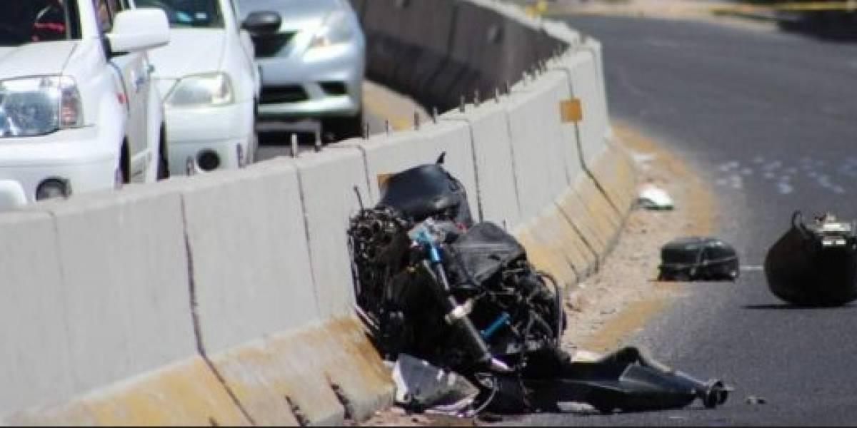 Motociclista pierde la vida en carretera vía a Santa Elena