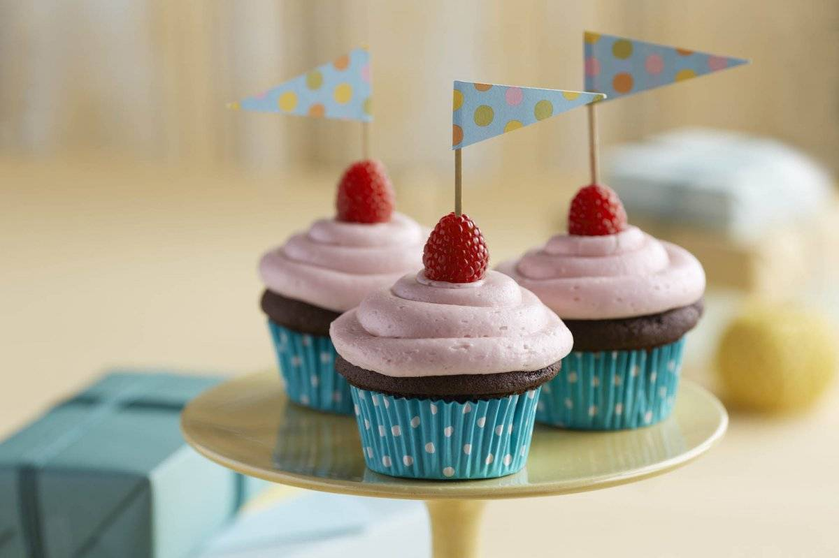 chocolateraspberrycupcakesrecipe.jpg