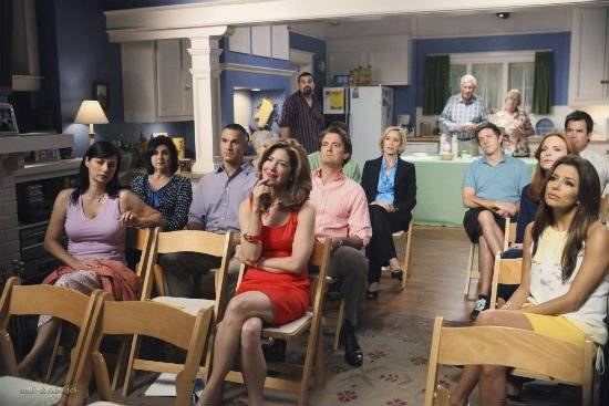 desperatehousewivesepisode605everybodyoughttohaveamaidpromotionalphotosdesperatehousewives841437320481365.jpg