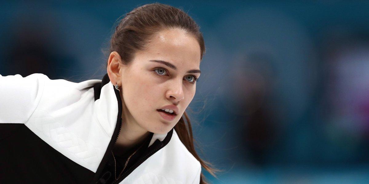 La estrella rusa del curling que comparan con Angelina Jolie y Megan Fox