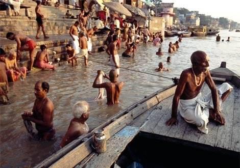 indiagangesriverbathing1.jpg