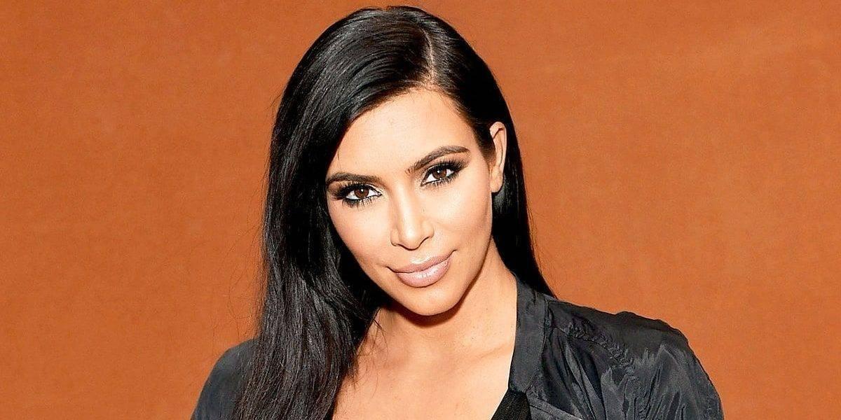 Kim Kardashian mostró su figura con una sexy selfie