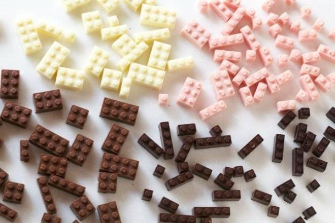 legoschocolate2.jpg
