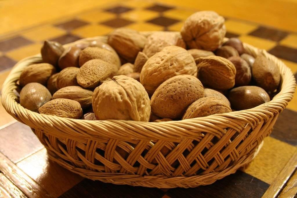 nuts-3.jpg