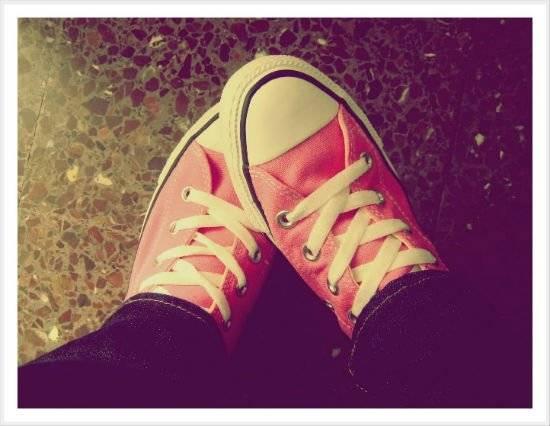 pinkconversewallpaper.jpg