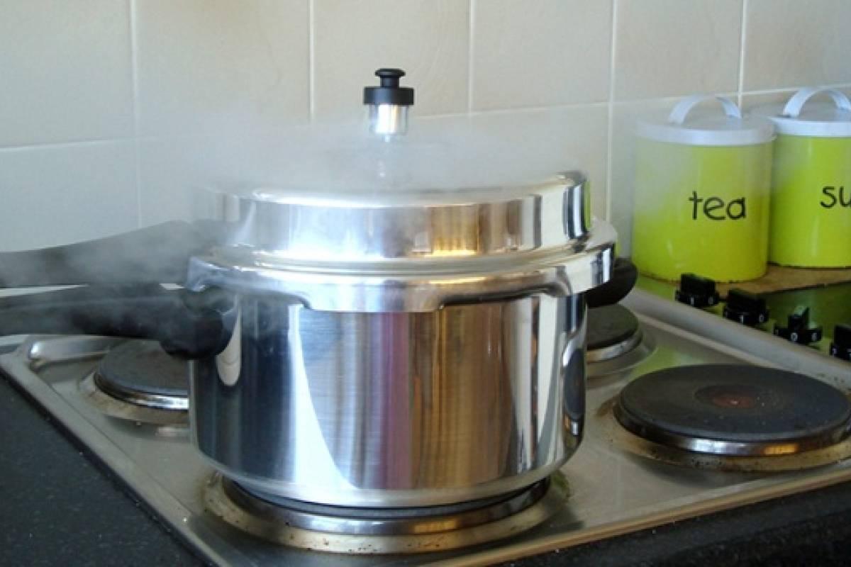 Video por qu cocinar en olla a presi n sabros a - Olla para cocinar ...
