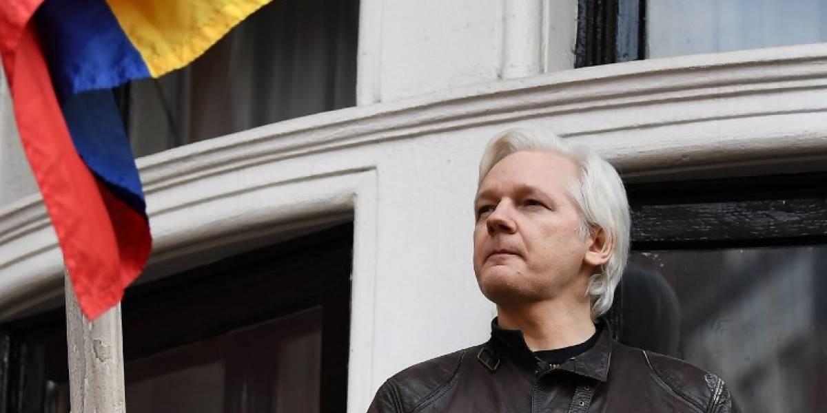 Ratifican orden de detención contra Julian Assange
