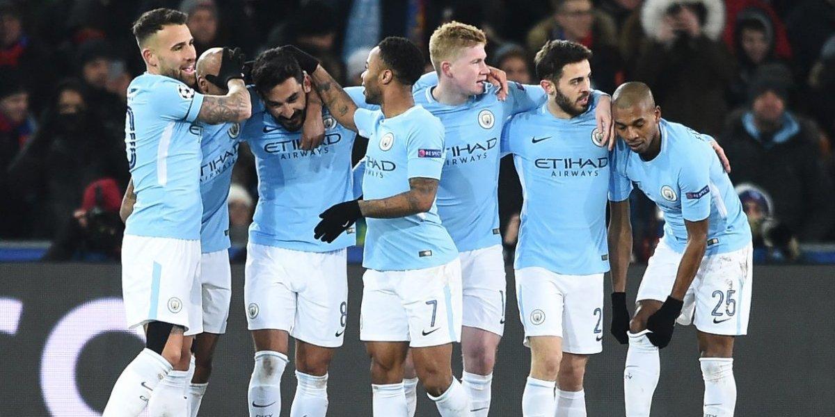 El Manchester City pone un pie en los cuartos de final tras golear al Basilea