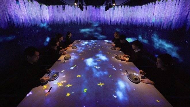 teamlabinteractiverestauranttokyo10660x550.jpg
