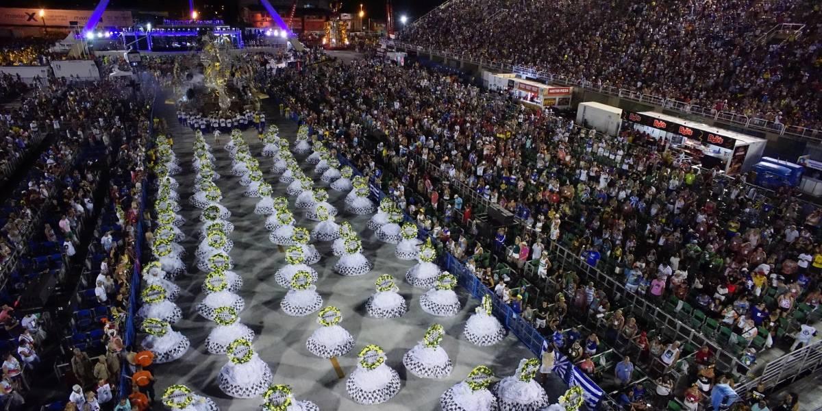 Intolerância é principal tema em segunda noite de desfiles na Sapucaí