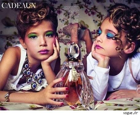 Niñas sexies en Vogue habrían provocado la salida de Carine Roitfeld ... 320fffdb1f