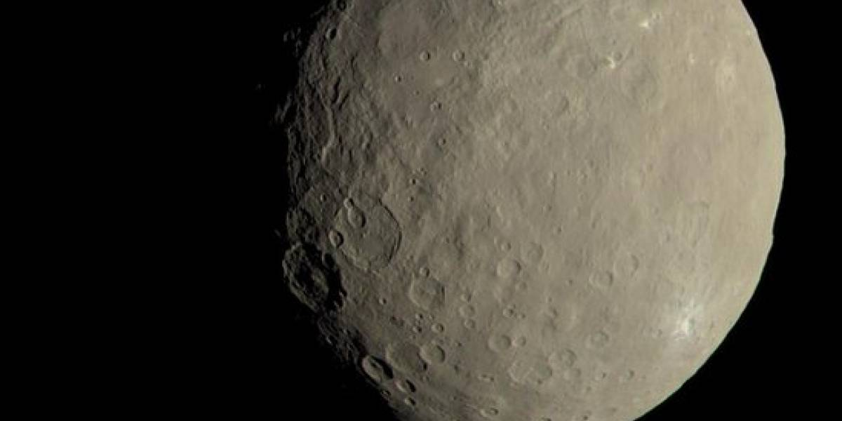 Planeta-anão Ceres possui água salgada, revela sonda da Nasa