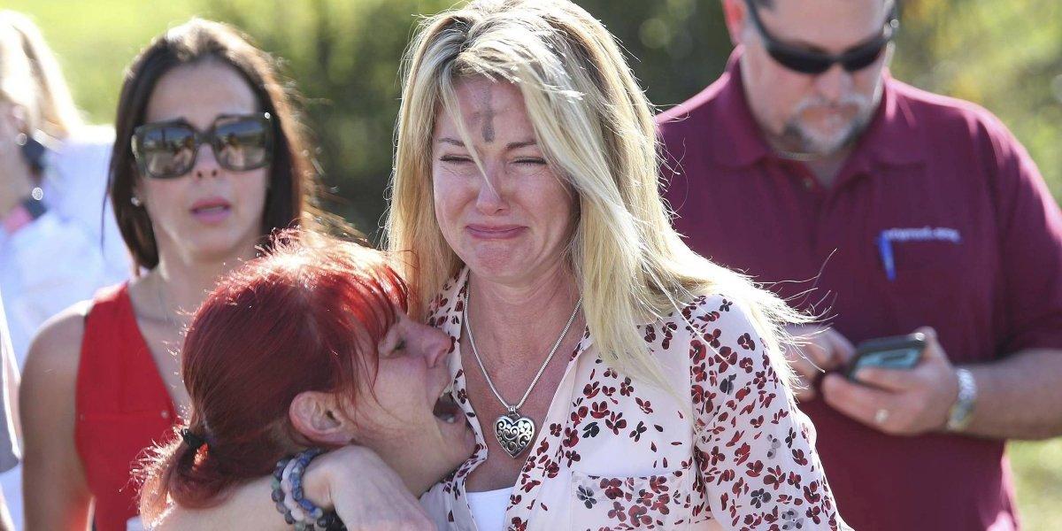 Confirman 17 muertos por tiroteo en preparatoria de Florida