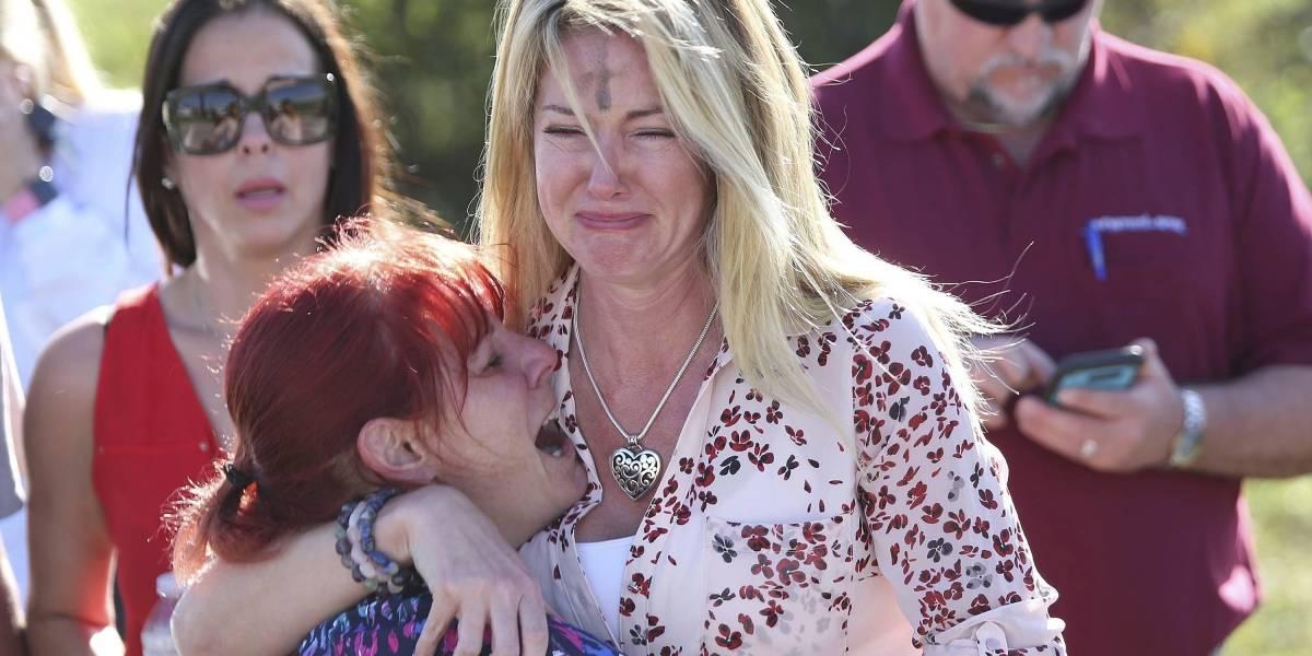Al menos 17 muertos por tiroteo en escuela superior de Florida
