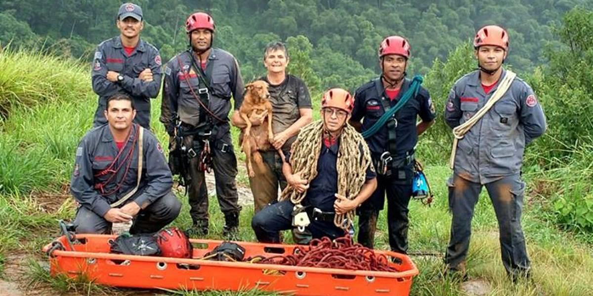 Cuidadora de animais é resgatada após cair em ribanceira para salvar cadela