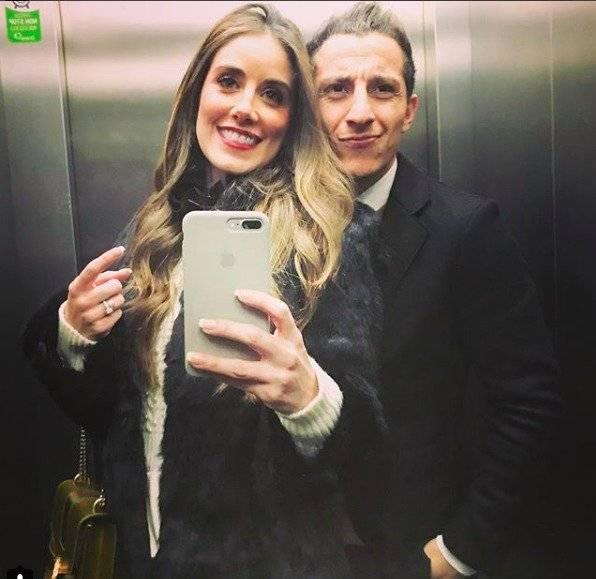 Andrés Guardado y Sandra