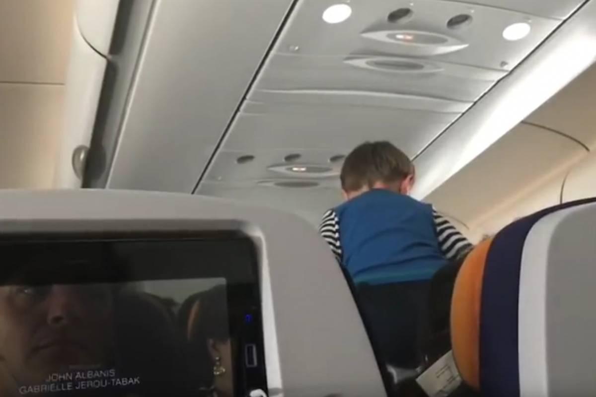 'Niño demoníaco' convierte un vuelo internacional en una pesadilla