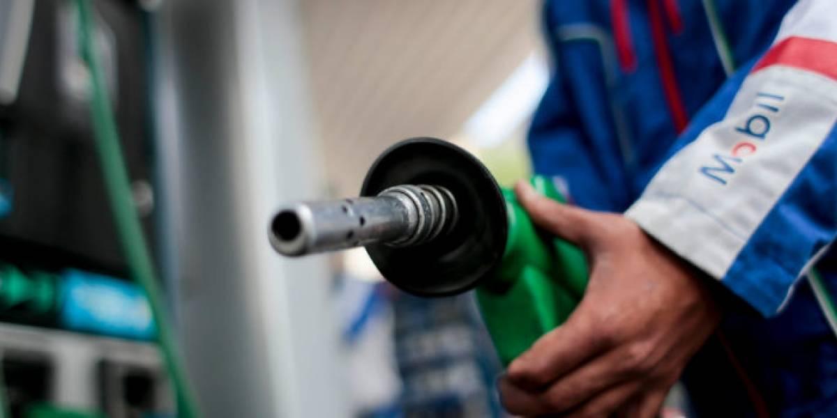 Todas las bencinas bajan de precio este jueves