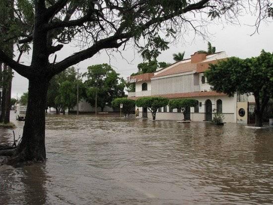 inundacic3b3naustralia550x412.jpg