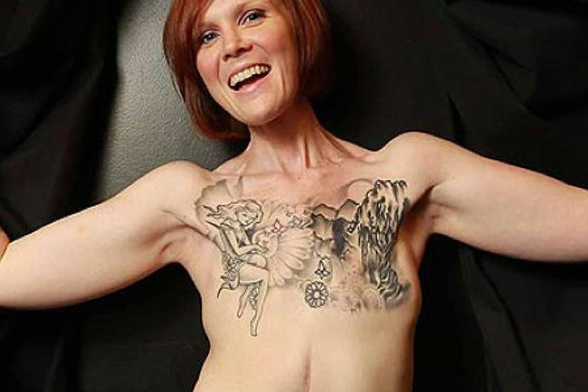 Mujer Realiza Tatuaje Sobre Su Mastectomía Y Crea Conciencia