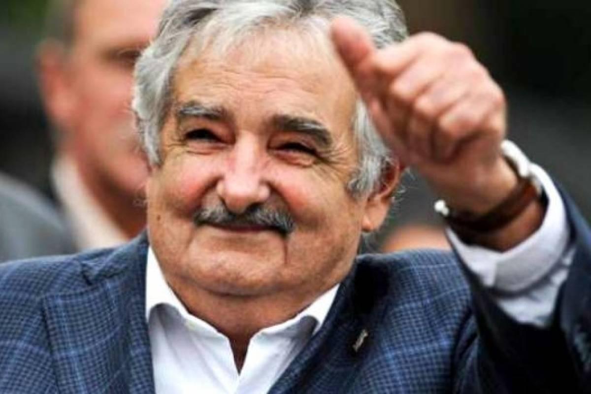 Resultado de imagen para mujica