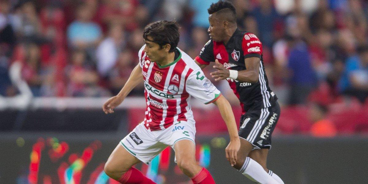 Un prendido Matías Fernández no logró impedir el empate del Necaxa ante Atlas