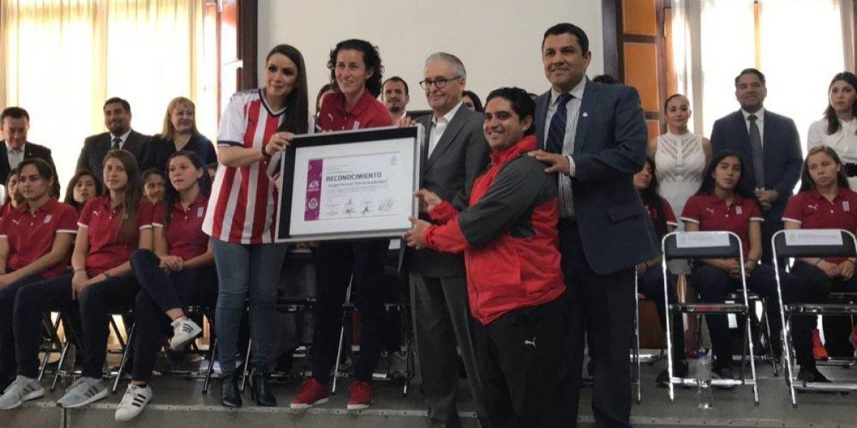 Ayuntamiento de Guadalajara reconoció a Chivas Femenil por su título