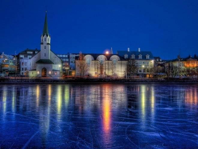 reykjavikislandia660x495.jpg