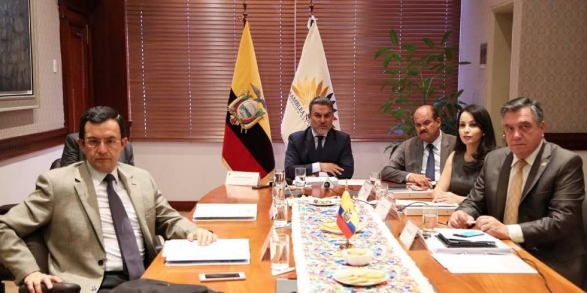 Envía Lenín Moreno a legislativo proyectos para aplicar consulta