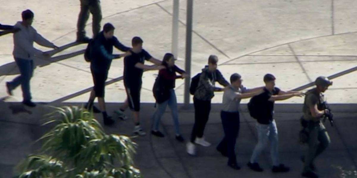 Aumenta la cifra de muertos en tiroteo en escuela superior de Florida
